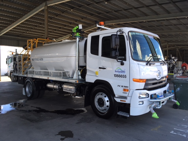 9000l Water Truck, Water Cannon, Rear and Front spray bars, Cam Lock sprays